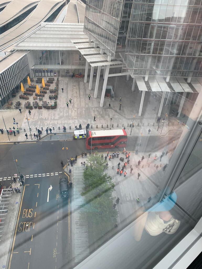 Son dakika... İngilterede alarm Londra Köprüsü istasyonu boşaltıldı