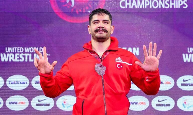 Milli güreşçi Taha Akgül 8inci kez Avrupa şampiyonu