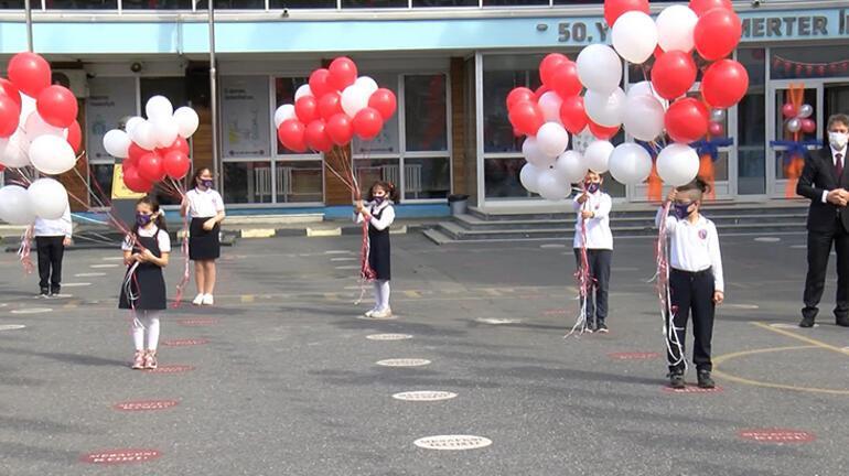 İstanbulda 23 Nisanda 101 okuldan 101 balon gökyüzüne bırakıldı