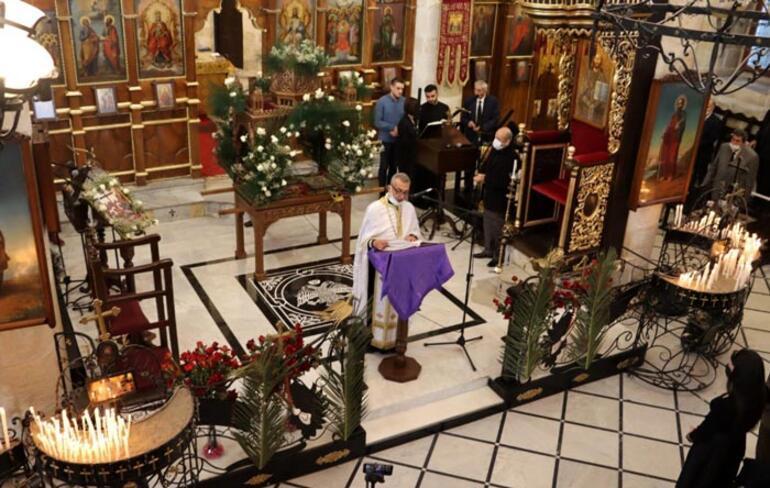 Hatayda, Hz. İsanın temsili cenaze töreni ayini düzenlendi
