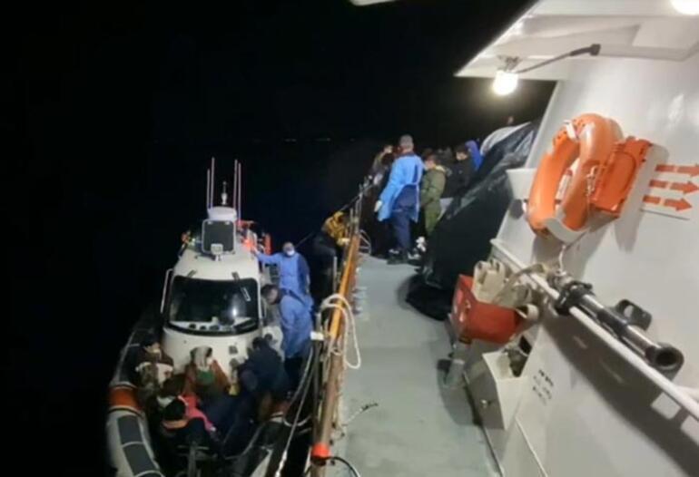 Yunanistanın ölüme terk ettiği 56 kaçak göçmen kurtarıldı