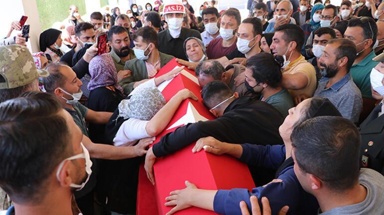 Uzman Onbaşı Mehmet Can Kaya, memleketi Gaziantepte son yolculuğuna uğurlandı
