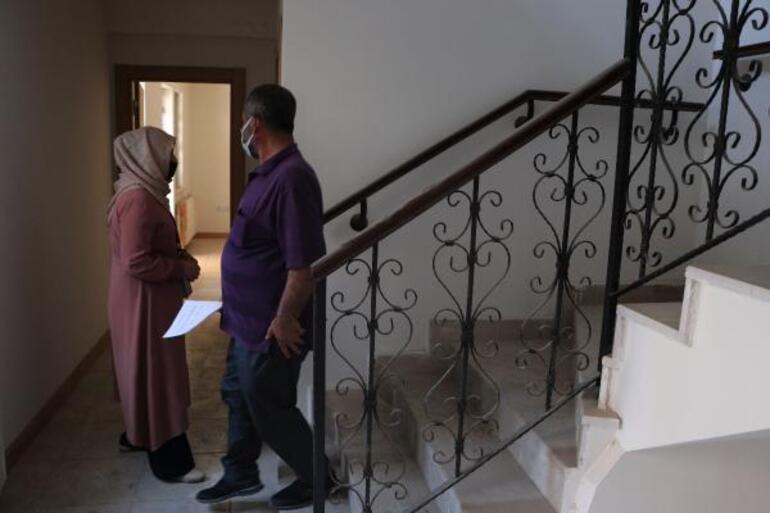 Surda yapımı tamamlanan konutlar hak sahiplerine teslim edildi