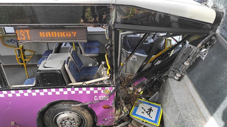 Son dakika: D 100de İETT otobüsü üst geçidin asansörüne çarptı