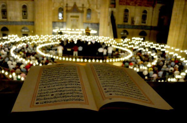 Kadir Gecesi ne zaman, hangi gün Kadir Gecesi nedir, duası ve alametleri, ibadetleri nelerdir İşte Kadir Gecesi ile ilgili hadisler