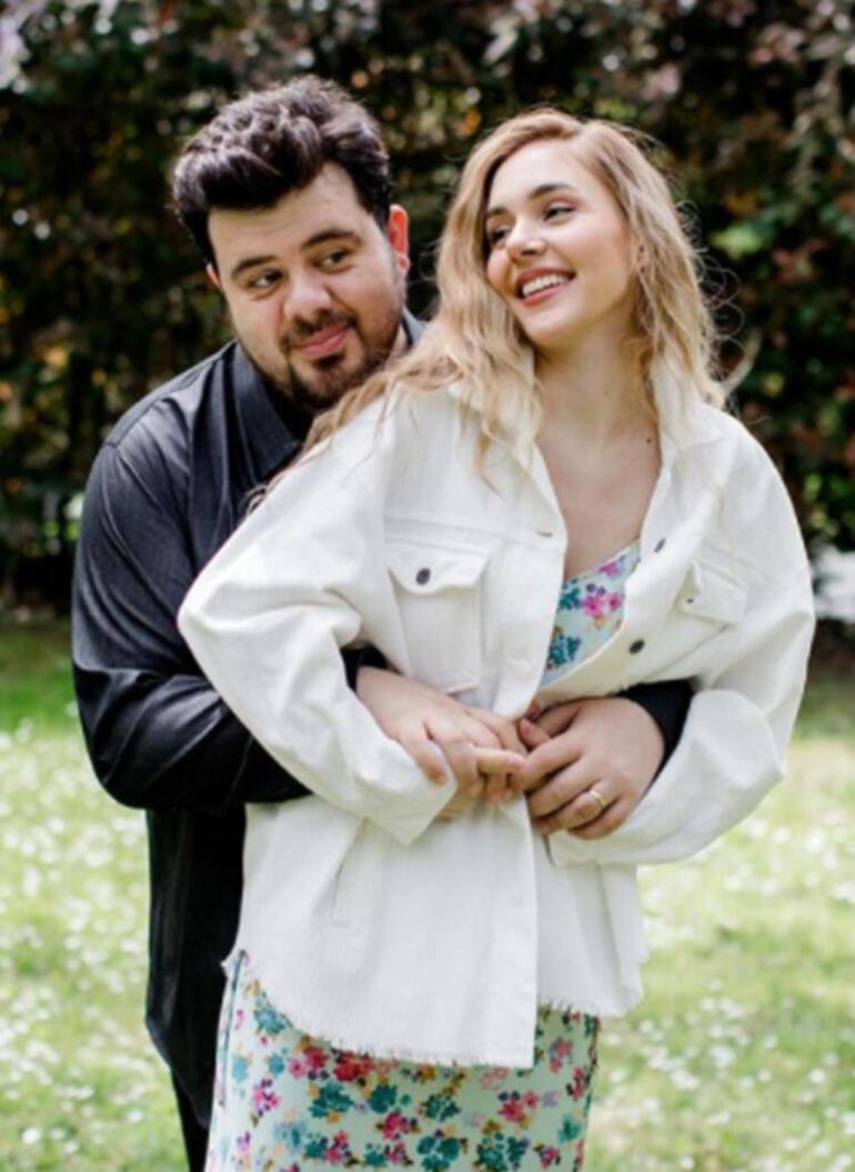 Berfu-Eser Yenenler çiftinden aşk pozu