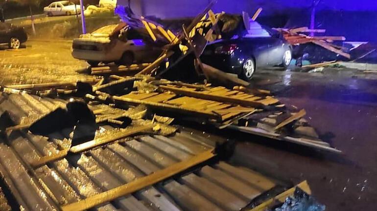 Şiddetli rüzgar ortalığı savaş alanına çevirdi! 20 otomobilde hasar oluştu 1 – 60972a17adcdeb2a3cc43d75