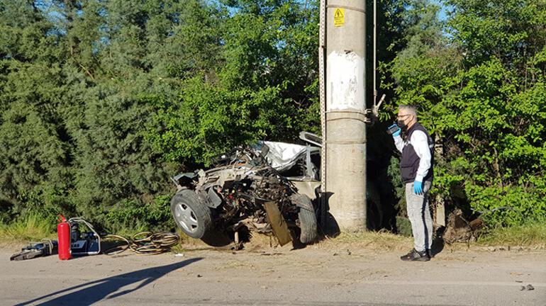 Feci kaza Sürücü hayatını kaybetti, arkadaşı ağır yaralı...