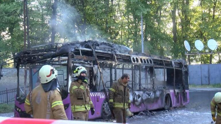 Korku dolu anlar Otobüs alev alev yandı