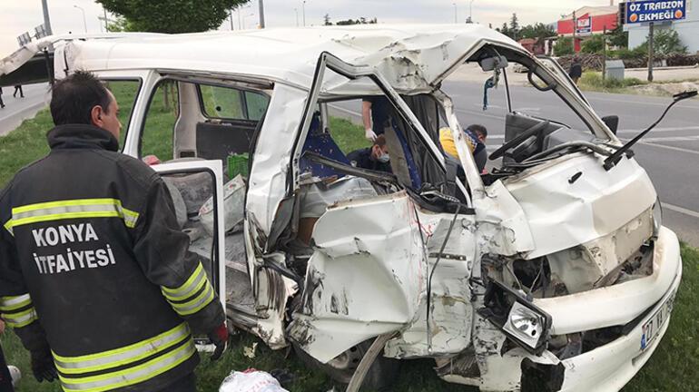 Konyada TIR ile minibüs çarpıştı: 7 yaralı