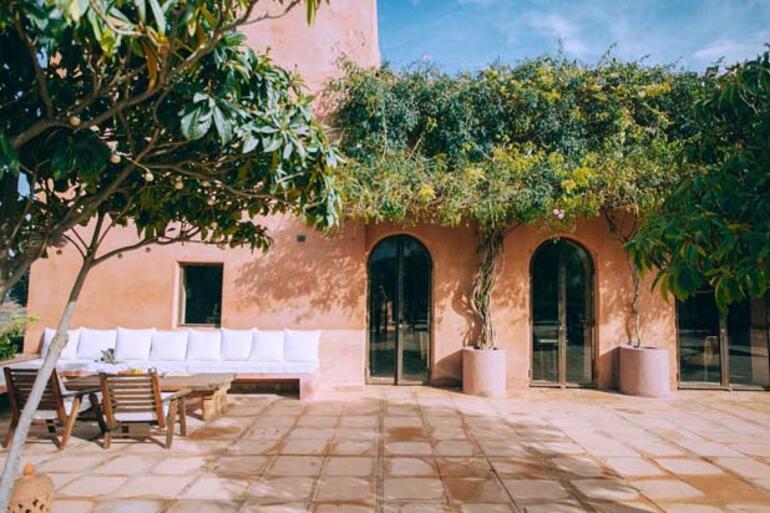 Buram Buram Yaz Kokan Bir Stil:  Akdeniz Stili