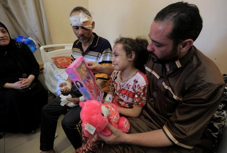 Yürek dayanmaz Filistinli baba dünyaya seslendi