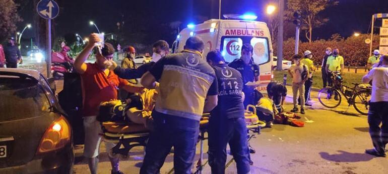 Zeytinburnunda iki otomobil çarpıştı: 4 yaralı