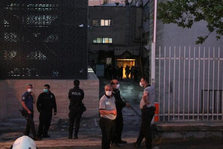İstanbul Üniversitesi Tıp Fakültesi'nde elektrik kontağından yine yangın çıktı 1 – 60a4aafa55427f054c8e8b21