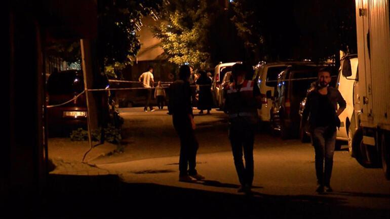 Bağcılarda aileler birbirine girdi: 1 ölü, 2 yaralı