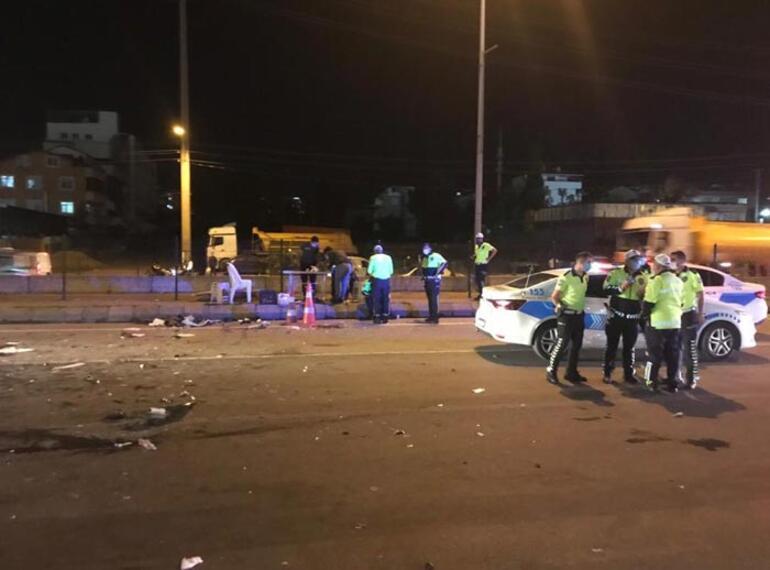 Alkollü sürücü polis kontrol noktasına daldı: 1i polis 3 yaralı