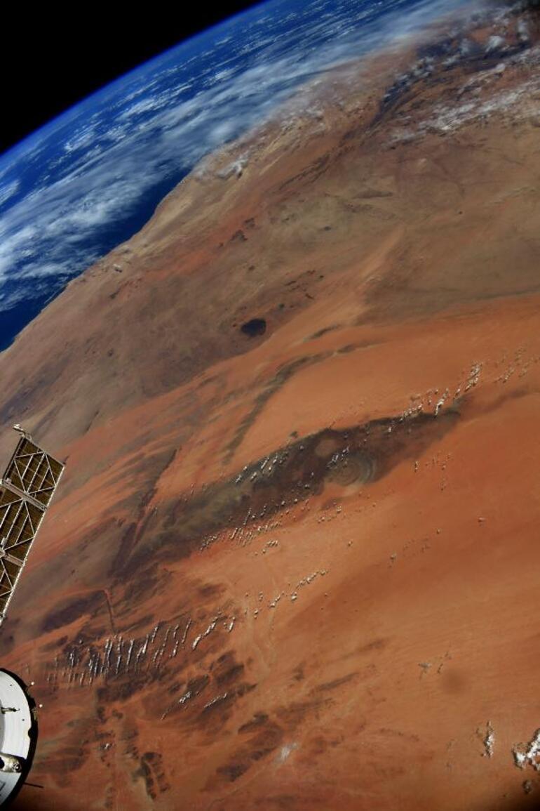 Ünlü astronot, uzaydan çekilmiş Sahra Çölü fotoğrafını paylaştı