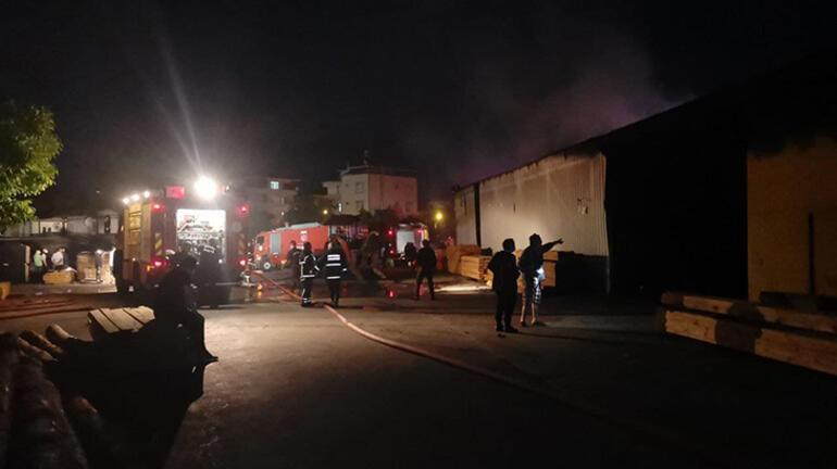 Korkutan yangın Kereste fabrikasına sıçradı