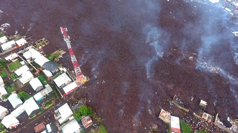 İkinci patlama endişesi on binlerce kişiyi yerinden etti