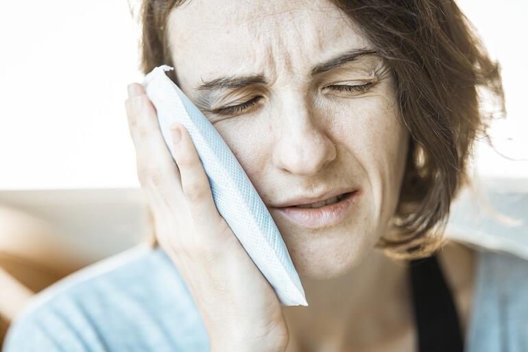 Diş ağrısına ne iyi gelir, nasıl geçer Diş ağrısına evde doğal çözümler