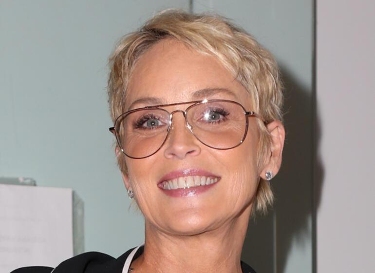 Sharon Stone: Oscar elbiseme yetecek kadar bile para kazanamadım