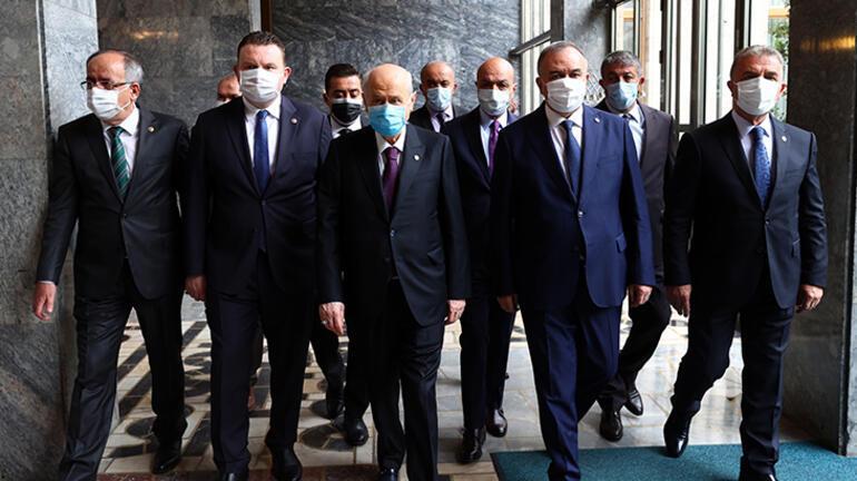 Son dakika... Atatürke hakaret iddiasıyla ilgili Bahçeliden flaş açıklama: Hiç kimse cüret etmemelidir