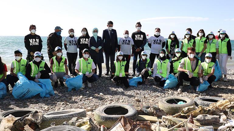 Emine Erdoğan ve Bakan Kurum, Vandaki arıtma tesisini gezdi