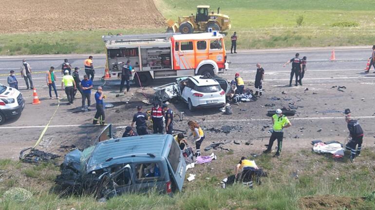 Son dakika... Sivasta katliam gibi kaza 9 kişi öldü