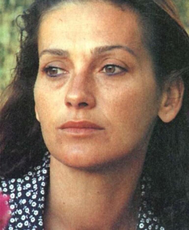 Camdaki Kız Feride kim, hastalığı nedir Feride rolünü oynayan Nur Sürer kaç yaşında, nereli İşte, gençliği...