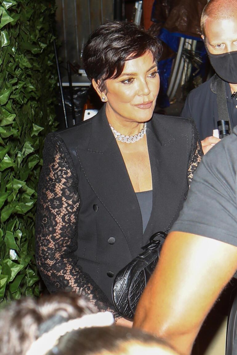 Kardashian/Jenner ailesi siyahlar içinde