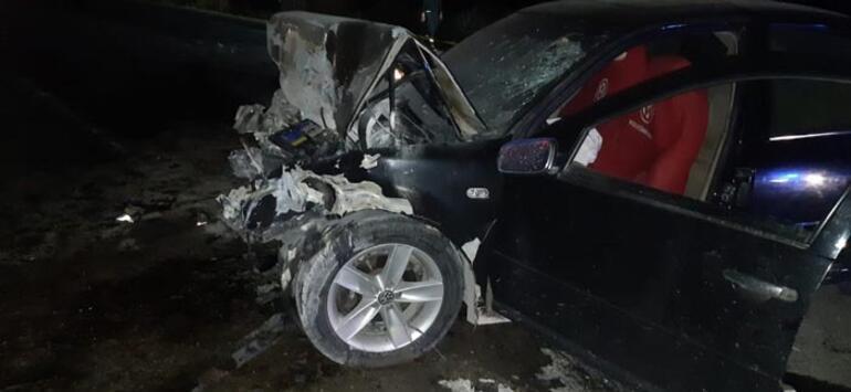 Feci kaza İki otomobil kafa kafaya çarpıştı