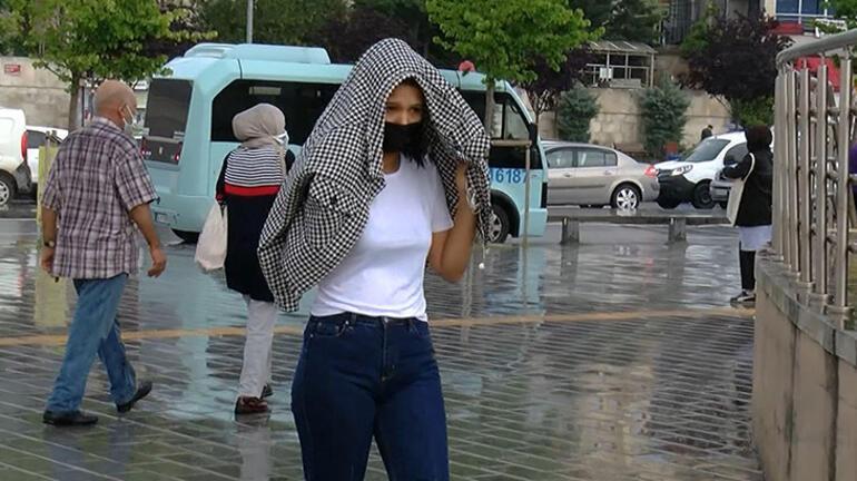 Üsküdar'da vatandaşlar yağmura hazırlıksız yakalandı 1 – 60be208aadcdeb18b8036cbf