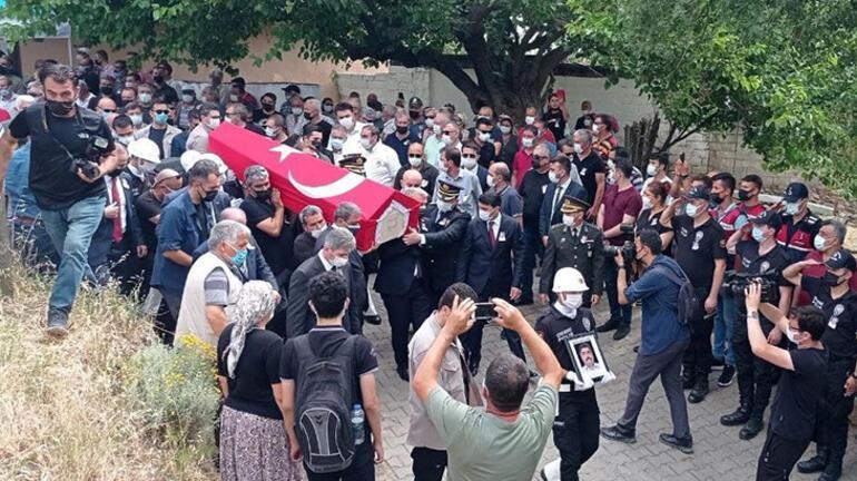 Çanakkalede trafik kazasında şehit olan polis memuru için tören