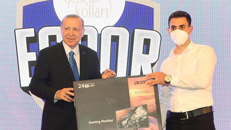 Cumhurbaşkanı Erdoğan, E-Spor ödül törenine katıldı