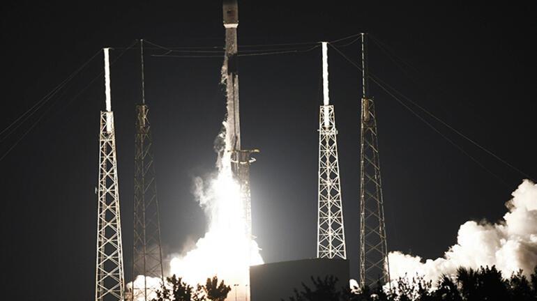 SpaceX, Starlinki internetini uçaklara entegre edecek