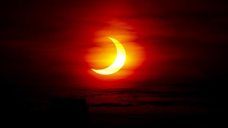 Ateş Çemberi güneş tutulması muhteşem görüntülere sahne oldu