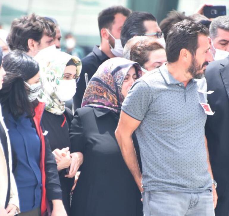 Şehit Akının cenazesi Konyada