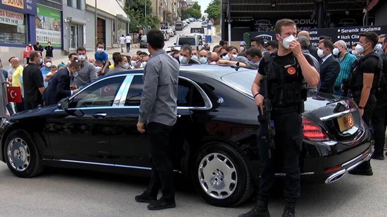 Üsküdarlılardan Cumhurbaşkanı Erdoğana teşekkür Makam aracını tam 8 kez durdurdular
