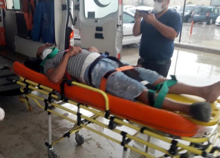 Otomobiller çarpıştı: 1i çocuk 5 yaralı