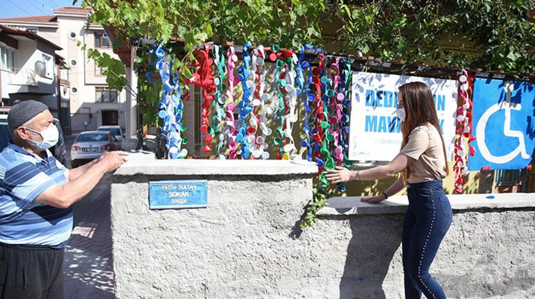 Torunuyla engelliler için topladığı 30 çuval mavi kapak çalındı