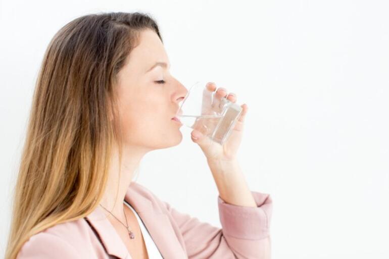 Bademcik şişmesine ne iyi gelir, nasıl geçer Bademcik şişmesine evde doğal ve bitkisel çözüm