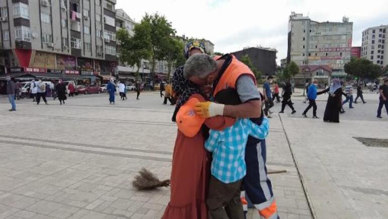 Temizlik görevlisi babaya çocuklarından ağlatan sürpriz
