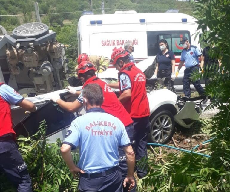 Balıkesirde zincirleme trafik kazasında 3 kişi öldü, 3 kişi yaralandı