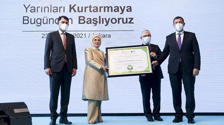 Emine Erdoğan, Roketsana Sıfır Atık Belgesi verdi