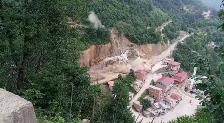 Yol çalışmasında dinamit patlatıldı Belediye binası hasar gördü