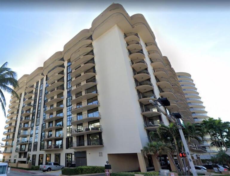 Miamide yıkılan 12 katlı binada yaşayan 99 kişiden haber alınamıyor