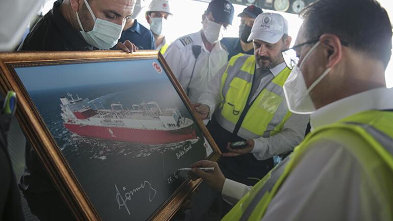 Türkiyenin ilk doğal gaz depolama gemisi Ertuğrul Gazi hizmete girdi