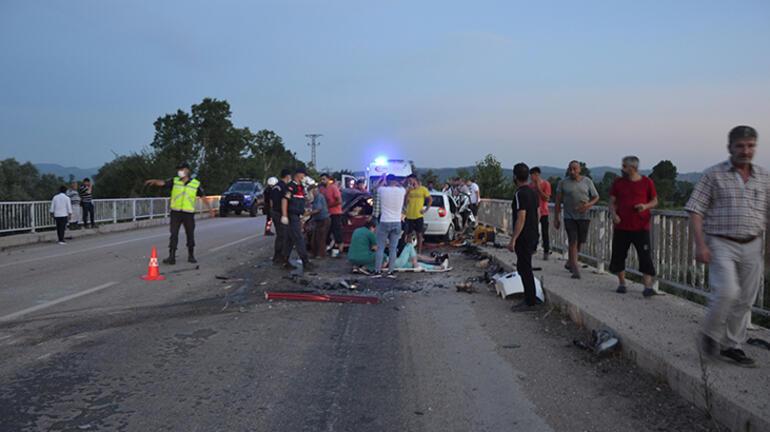 Son dakika: Çanakkalede feci kaza Çok sayıda ölü ve yaralı var