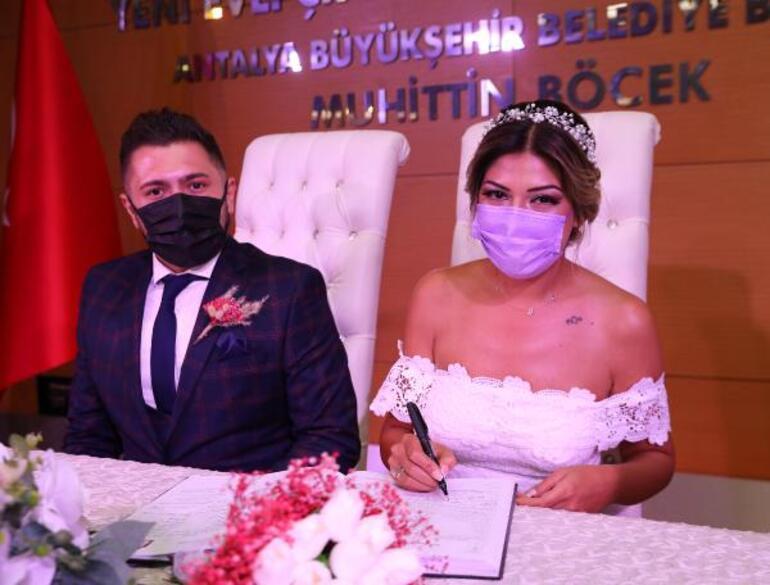 Ölüm döşeğinde verdiği sözü tuttu Hemşiresinin nikahını kıydı