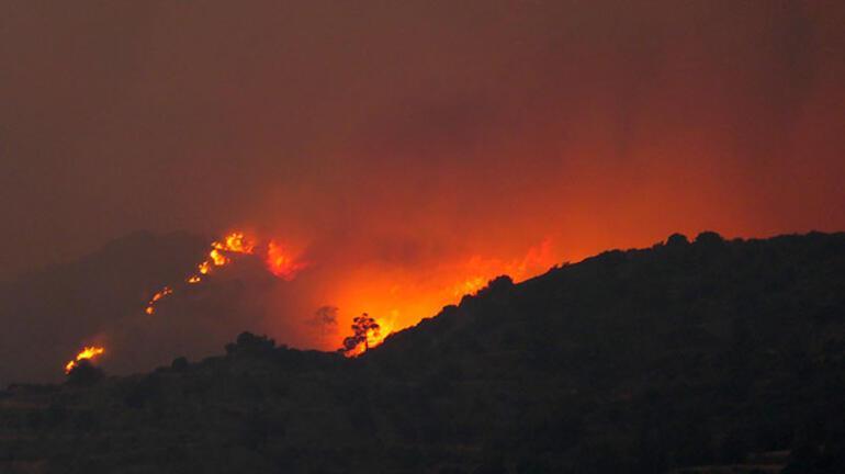 Kıbrıs Rum kesimindeki yangın söndürülemiyor Cumhurbaşkanı Tatardan yadım mesajı
